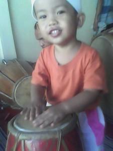 ajarkan musik pada anak