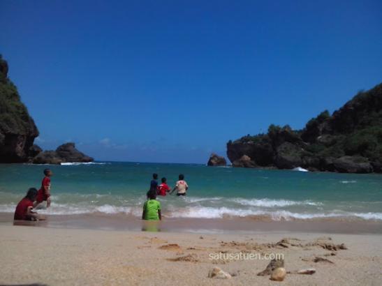 ngrenehan beach