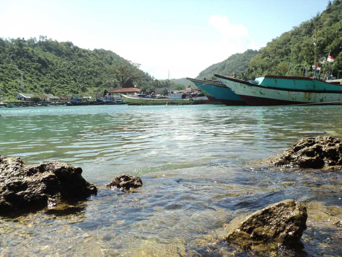 Sungai Purba, Ikan, dan Pantai Sadeng