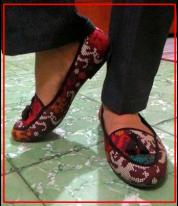 sepatu batik wanita